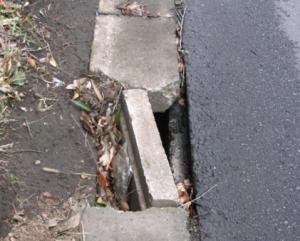 道路損傷の参考写真2